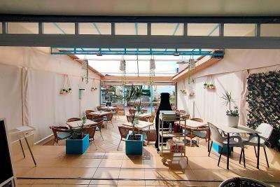 Кафе-бар в Торрелинос - Ла Карихуэла - Пляжный фронт