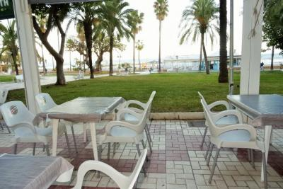 Traspaso Bar  en Torremolinos Frente  Playa